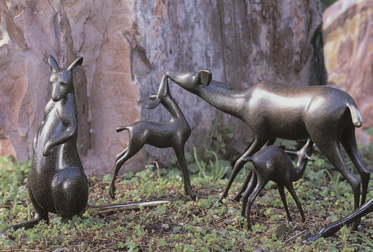 Doe and Fawns, Kangaroo